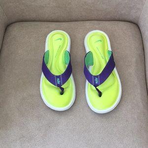 NWT Nike Sandal